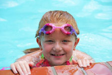 swimming-170607_640